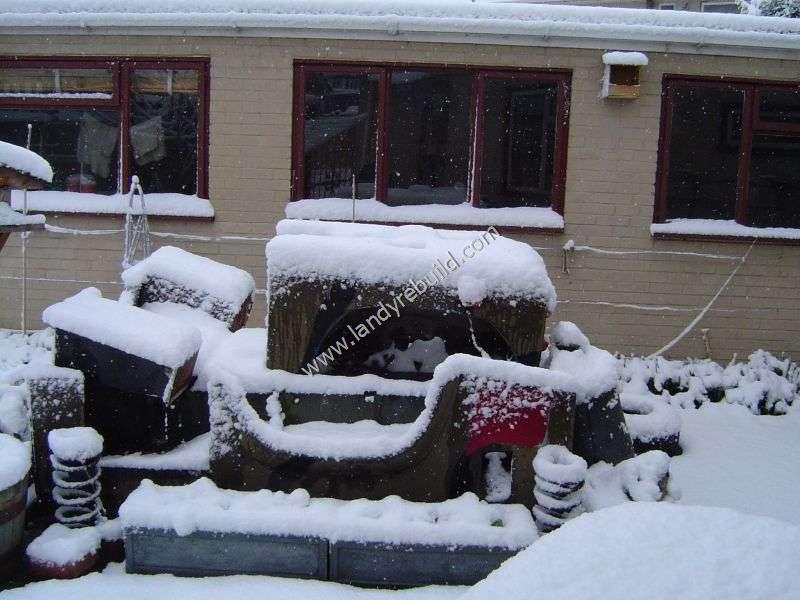 Land Rover in the snow