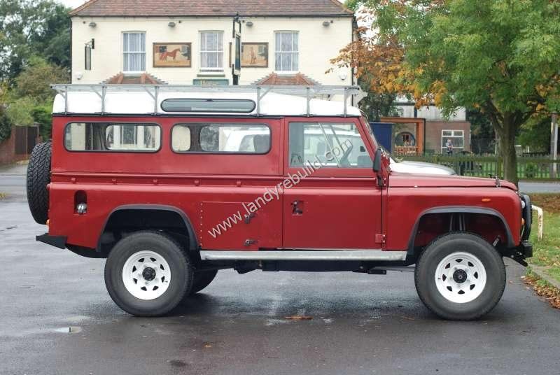 Right view Land Rover 110